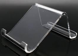 Kệ mica trưng bày máy tính bảng 1
